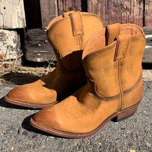 🆕 Frye Billy Distressed Cognac Cowboy Ankle Boots